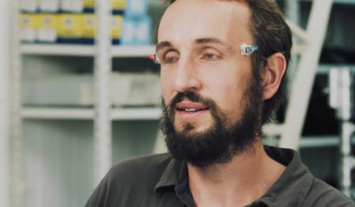 """Изобретатель предлагает реализовать """"3D без очков"""" с помощью морганий"""